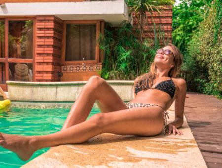 Bezpieczne opalanie nad basenem – najważniejsze porady