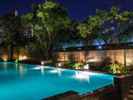 Oświetlenie basenu – jak wybierać?